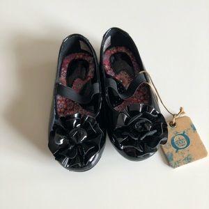 Born girls dress shoes